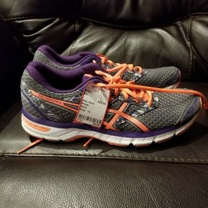 Womens Asics size 10 shoes Gel-Excite 4
